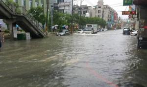 員林市逢雨必淹 民眾大罵公所無作為