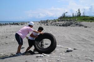 台東縣環教中心認養海灘 推淨灘主題教學
