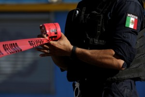 墨西哥警匪飛車激戰 19槍手被擊斃