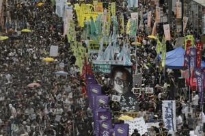 無畏習近平畫紅線 6萬港人遊行爭民主