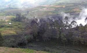 印尼火山噴發10傷 監控直升機撞山至少2死數人失蹤