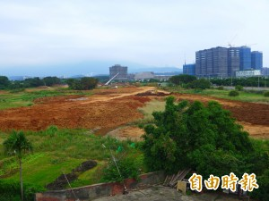淡海輕軌機廠土地徵收「圍城」 農地排水不良難耕作