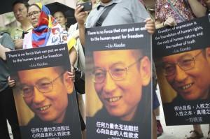 劉曉波遺體遭火化 傳當局逼迫家屬海葬骨灰