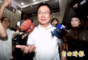 蔡正元移送北檢複訊 談到妻子他說:嫁給我倒楣