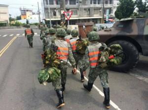 尼莎颱風陸警發布 國軍派遣甲車、橡皮艇支援災防