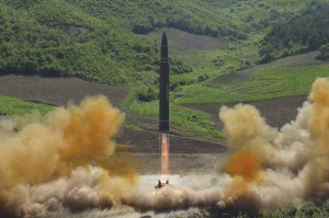 北韓深夜發射導彈 落入日本專屬經濟海域