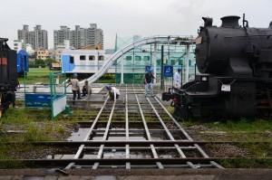 輕軌趕通車 舊高雄港站鐵道紋理遭破壞
