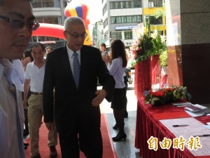 吳敦義首度證實 找韓國瑜接高市黨部主委