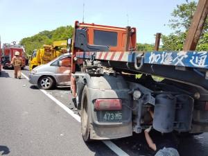 肇事拖板車查出毒品吸食器 不排除駕駛吸毒肇禍