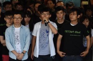 號召「重奪公民廣場」 黃之鋒3人遭判6至8月即刻入獄