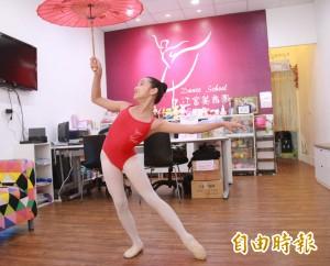 鑿壁借光現代版 11歲顏佩炘學舞奪世界第二