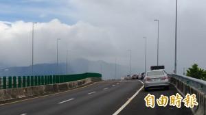 要拖吊了!天鴿陸警解除 國道三大鵬灣路肩停止開放停車