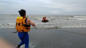 竹圍海水浴場戲水 5人被浪捲走1人失蹤