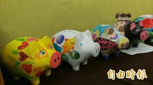 彩繪小豬創作   為芎林中元普度添童趣
