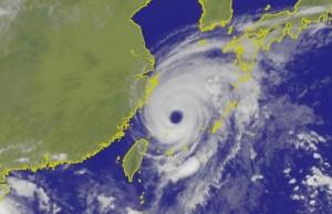 泰利颱風眼大又清晰 網友直呼詭異、噁心
