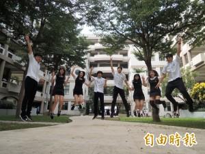 校服我最正》竹北高中連身裙  美觀舒適全國少見