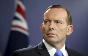 澳洲前總理反同婚 遭鐵頭功襲擊