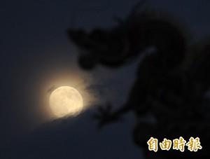 今年很幸運!彭啟明:中秋沒颱風、天氣涼爽可賞月