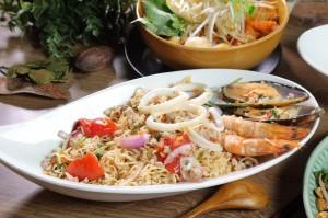 好想吃泰式辣味乾麵? 自製美味一點也不難!
