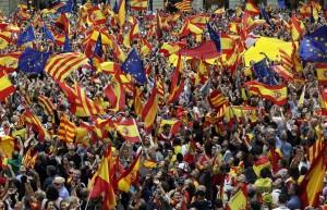 加泰隆尼亞獨立公投前夕 數千人遊行挺統一