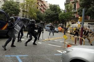鎮暴警察發射橡膠子彈 加泰隆尼亞獨立公投337傷