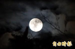 中秋天氣不同調 吳德榮:桃園以南適合賞月
