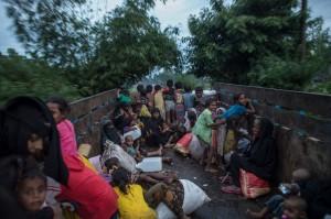 羅興雅難民船超載翻覆 2死多人失蹤