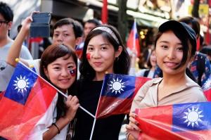 日本橫濱僑界國慶遊行 台灣留學生:有家的感覺