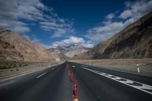 控金ㄟ!中國最貴高速公路 每公里造價9億
