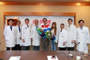 醫病》50歲婦人腹部突出 竟是小玉西瓜般大肝癌腫瘤