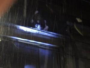 5樓跳下幸運卡雨棚 輕生男骨折獲救