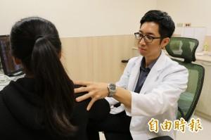 醫病》肩膀痛不是五十肩 恐是「鈣化性肌腱炎」作祟