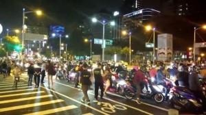 「無限轉圈圈」抗議兩段式左轉 警政署:要尊重他人路權