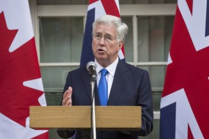 性醜聞燒不停 英國防大臣遭爆曾公然性騷女記者