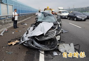 上週1家3口喪命!國3南下189公里 又有5車連撞3傷