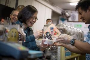 「台灣比白宮好講話」  小英過境美國待遇勝過馬、扁