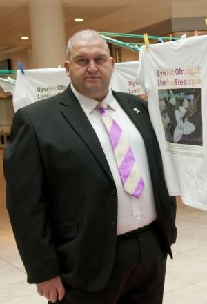 涉嫌性騷擾辭職 英國威爾斯工黨前官員自殺