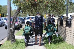 雪梨婦女開車衝撞教室    撞死2名8歲男童