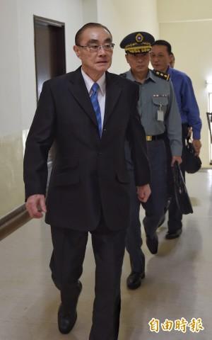 馮世寬粗口批飛官投共說 國防次長:他的同學也是這樣走的