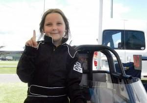 8歲女童開賽車   撞擊賽道防護欄身亡