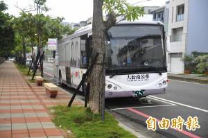 台南公車又出事 公車乘客急下車跌倒