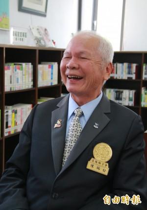 61歲讀醫、73歲拿企管碩士 他77歲考上電機博士班榜首