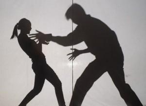 人倫悲劇... 狼父強姦8歲繼女4年 還逼她與哥哥3P拍片