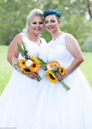 澳洲首場合法同性婚禮 「妻子和妻子」執手偕老