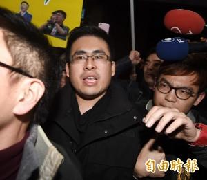 王炳忠傳涉吸收官員  遭檢調跟監1年「錄影為證」