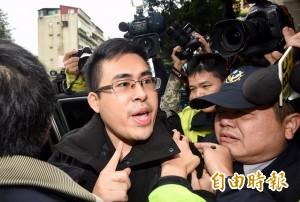 王炳忠遭搜索   週刊爆:黨政高層收錢賣情報