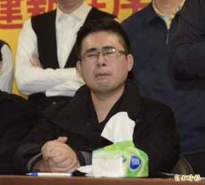 王炳忠被搜索約談  郝龍斌氣噗噗:像電影劇情一樣