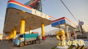 洗車兼改運!東港迎王氣氛熱 加油站「入龍喉出虎口」