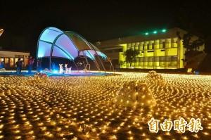 平安夜台南北門耶誕燈飾美 5樓高南洋杉變超大耶誕樹