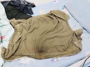 史上最髒!小被被泡水變這顏色 網友嚇傻:平常睡路邊嗎